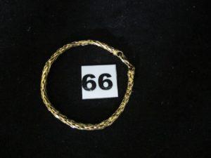 1 Bracelet en or maille palmier cabossée (L 18cm). PB 5,7g
