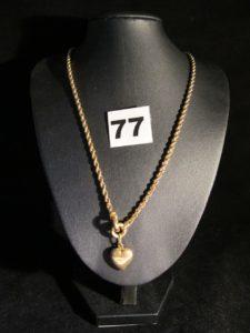 1 Collier en or maille corde avec coeur en relief au centre (L 47cm). PB 10,5g