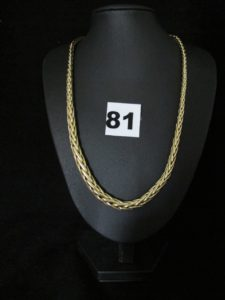 1 Collier en or maille palmier graduée (L 45cm). PB 23,8g.