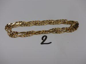 1 chaine maille alternée en or (L46cm, petites soudures bas titres). PB 26,5g