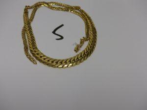 1 collier maille anglaise en or (cassé). PB 15,3g