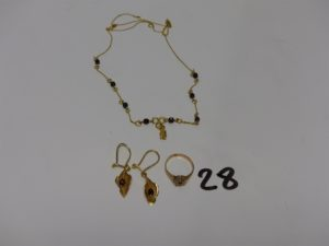 1 collier or 22K et perles grenats (abîmé), 2 pendants en or ornés d'une perle grenat et 1 bague en or ornée de petits diamants tl rose (2 chatons vides, td45). PB 6,6g