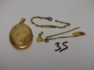 2 bracelets cassés, 1 petite médaille et 1 pendentif porte photos (intérieur proteges photos en pléxi.). le tout en or PB 20,3g