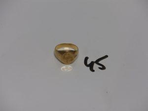 1 chevalière en or initiales gravées (td52). PB 6,2g