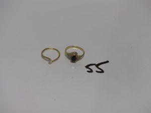 2 bagues en or (1 ornée d'une pierre bleue entourage petits diamants td57 et 1 ornée d'une petite pierre td52). PB 4g