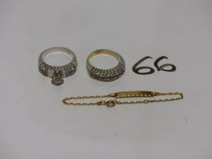 2 bagues en or ornées de pierres (td57) et 1 bracelet gourmette en or (identité vierge, L10cm). PB 11,6g
