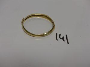 1 bracelet rigide ouvrant en or (cabossé, diamètre 4,5cm). PB 8g