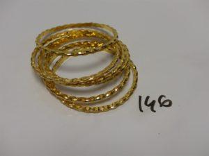 6 bracelets ciselés creux or 21K (diamètre 6,5cm). PB 57,1g