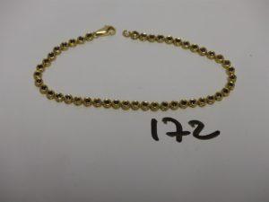 1 bracelet chenille en or orné de petites pierres bleues (L19cm). PB 9,9g