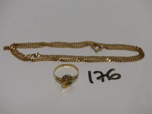 1 chaîne maille gourmette en or (L50cm) 1 bague en or ornée de petites pierres (un peu abîmée, Td59). PB 14,8g