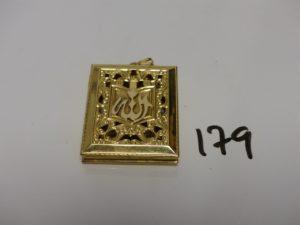 1 pendentif Coran ouvrant en or (H4,5cm). PB 18,8g