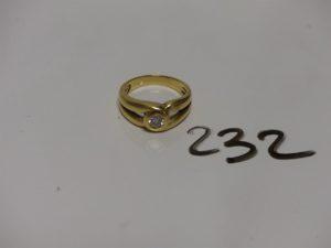1 bague en or sertie d'un diamant d'environ 0,20 cts (Td52). PB 6,4g