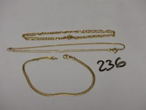 2 chaînes en or : 1 maille forçat (L48cm) 1 maille alternée (L40cm) et 1 bracelet maille anglaise en or (L17cm). PB 6,5g