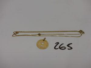 1 médaille d'amour en or et 1 chaîne maille alternée en or (L49cm). PB 3,7g