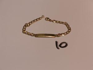 1 bracelet gourmette non gravée en or (L15cm, 1 peu cabossé). PB 3,2g
