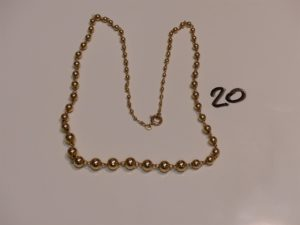 1 collier boules en or (L48cm). PB 10,6g