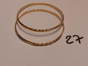 2 bracelets rigides ciselés en or (diamètre 6cm). PB 26,3g