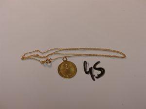 1 chaîne maille jaseron en or (L42cm) 1 médaille de la vierge en or. PB 2,5g