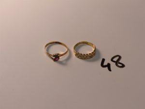 1 bague en or ornée de 2 rangs de petites pierres (Td53) et 1 bague en or ornée de 2 pierres (Td58). PB 3,6g