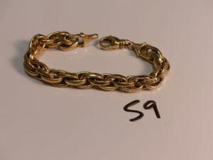 1 bracelet maille tressée en or (L21cm, cabossé). PB 22,7g