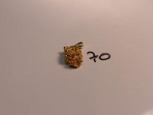 1 pendentif pépite en or 22k. PB 17g