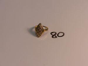1 bague marquise en or ornée de petits diamants (Td59). PB 4,5g