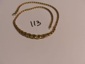 1 collier maille festonnée en or (L41cm). PB 12,1g