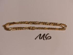 1 chaîne maille alternée en or (L48cm). PB 15g
