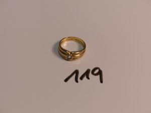1 bague en or rehaussée d'une pierre bleue ciel (Td57). PB 4,9g