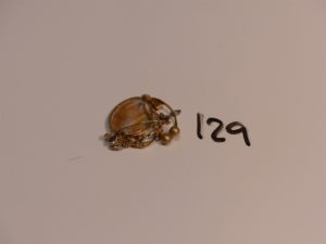 1 lot casse or et pierres (pendentif, pendants,bagues). PB 3,7g