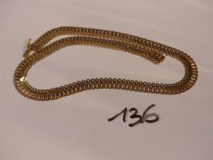1 collier draperie en or (L42cm). PB 23,4g