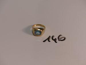 1 bague en or ornée d'une pierre bleue ciel (Td59). PB 4,7g