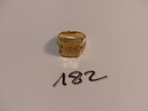 """1 chevalière gravée en or initiales """"GM"""" (Td65). PB 16,2g"""