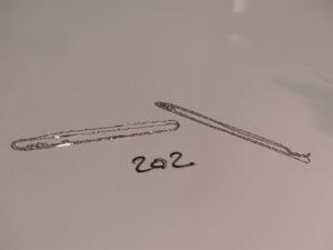 2 chaînes torsadées en or (une 1 peu abîmée,L42/44cm). PB 1,9g