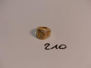 """1 chevalière gravée """"CA"""" en or (Td60). PB 5,8g"""