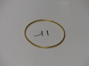 1 bracelet jonc en or (diamètre 6,5cm). PB 15,2g