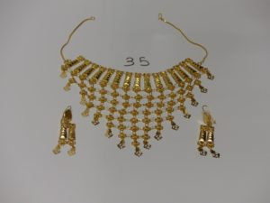 1 collier draperie en or 21K (L37cm) et 1 paire de pendants assortis en or 21K. PB 29,5g