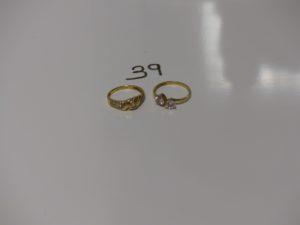 2 bagues en or ornées de petites pierres (td51 et 53). PB 4,1g