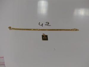 1 chaîne maille forcat en or (L55cm) et 1 pendentif plaque signe du cancer en or. PB 5,1g
