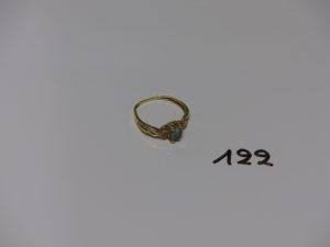 1 bague en or ornée d'1 petite pierre (Td54). PB 1,9g