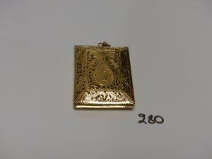 1 pendentif Coran en or (H6cm). PB 30,4g