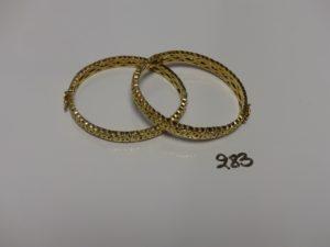 2 bracelets rigides articulés ouvrants en or (diam 5,5/6cm). PB 23g