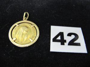 """1 Médaille en or 2 faces """" Lourdes et Avé Maria """". PB 6,7g"""