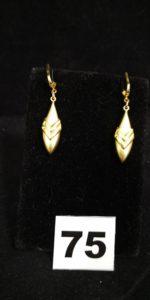2 Pendants d'oreilles en or à motif en epi (L 4,2cm). PB 3,4g