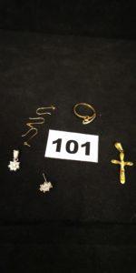 Lot casse: 1 pendentif motif fleur orné de pierres, 1 clou d'oreilles motif fleur orné de pierres ( sans poussoir), 1 monture de bague, 1 Christ sur croix, 3 montures de boucles . Le tout en or. PB 5,5g