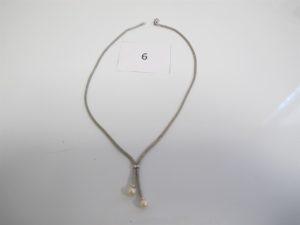 1 Collier or gris fantaisie rehaussé de 2 perles blanches(L25cm).PB 11,7g.