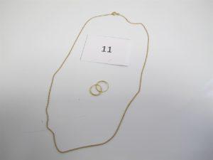 1 Chaine en or(L44cm), 2 créoles en or modèle enfant.PB 2,60 g.