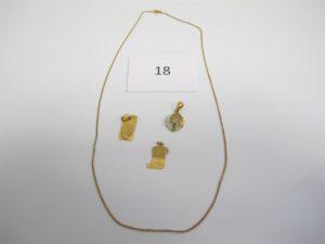 """1 chaine en or maille gourmette(L46cm) 1 pendentif en or à décor de la vierge 1 pendentif en or à décor de parchemin gravé """"je t'aime"""",1 pendentif orné d'unepierre verte.PB 6,7g"""
