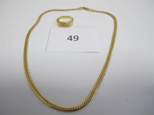 1 Collier en or maille anglaise(L38cm),1bague en or rehaussée de trois petits diamants(TD55).PB 12,6g.