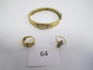 1 Bracelet en or ouvrant(D6,5cm),1 bagueen or modèle marquise ornée de pierres blanches(TD57),1 bague en or ajourée (TD56).PB 26,6g.